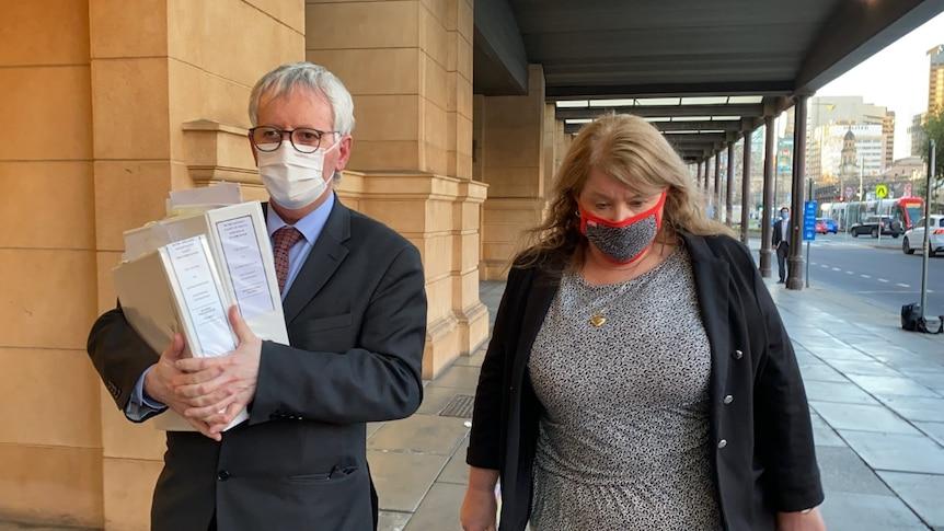 阿德莱德布莱顿水泥公司会计经理被判犯有数百万美元的欺骗罪