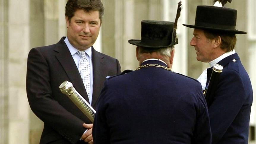 查尔斯王子的前助手迈克尔-福塞特在声称帮助沙特商人后从皇家慈善机构下台