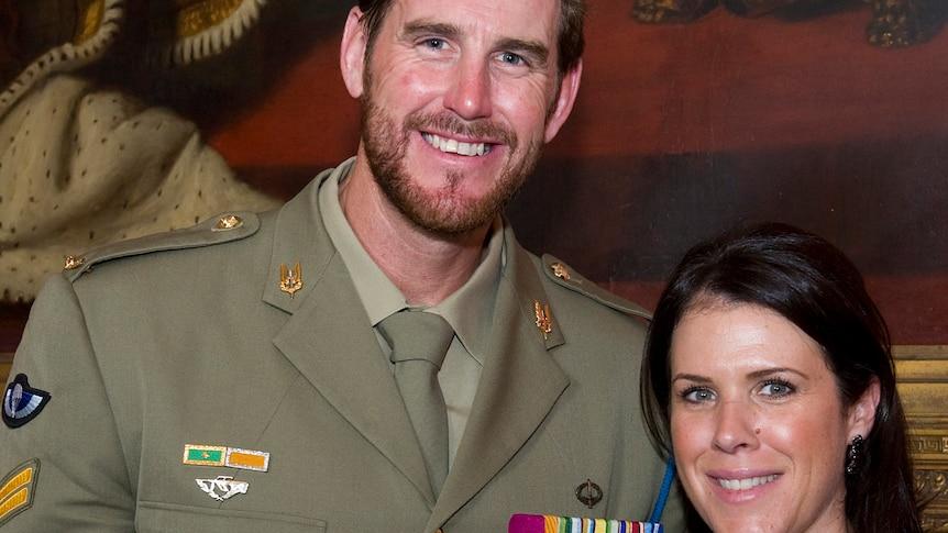 本-罗伯茨-史密斯的律师指责退伍军人的前妻在泄露电子邮件密码的问题上宣誓撒谎
