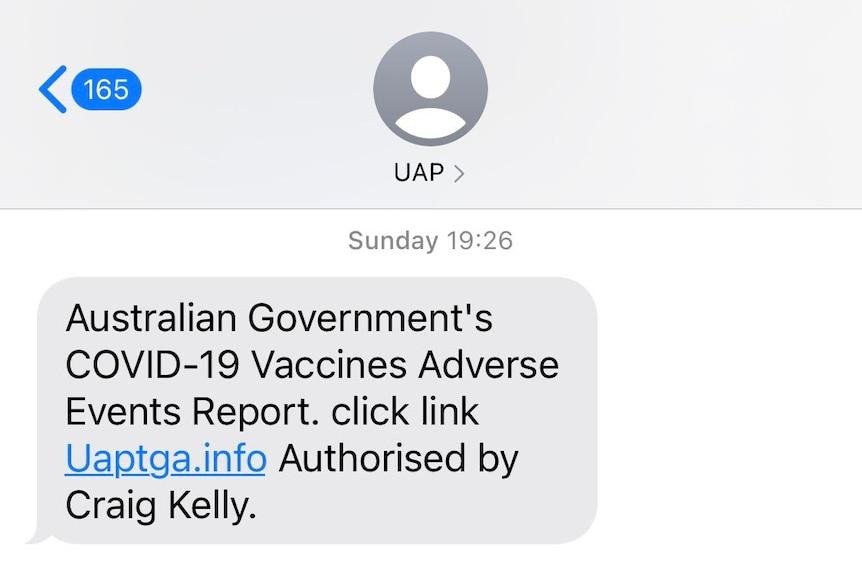 这就是为什么前自由党议员克雷格-凯利可以一直给你发短信,而且没有人可以阻止他