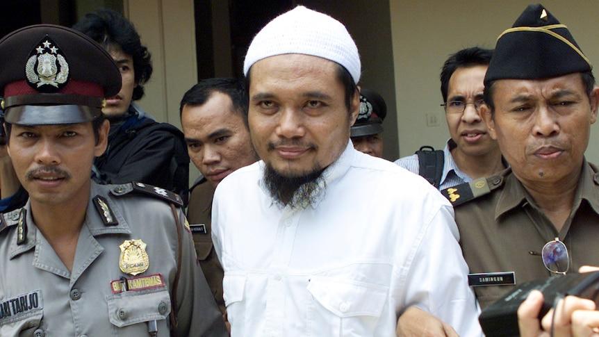 印度尼西亚官员逮捕了巴厘岛爆炸案背后的伊斯兰教祈祷团的可疑关键人物