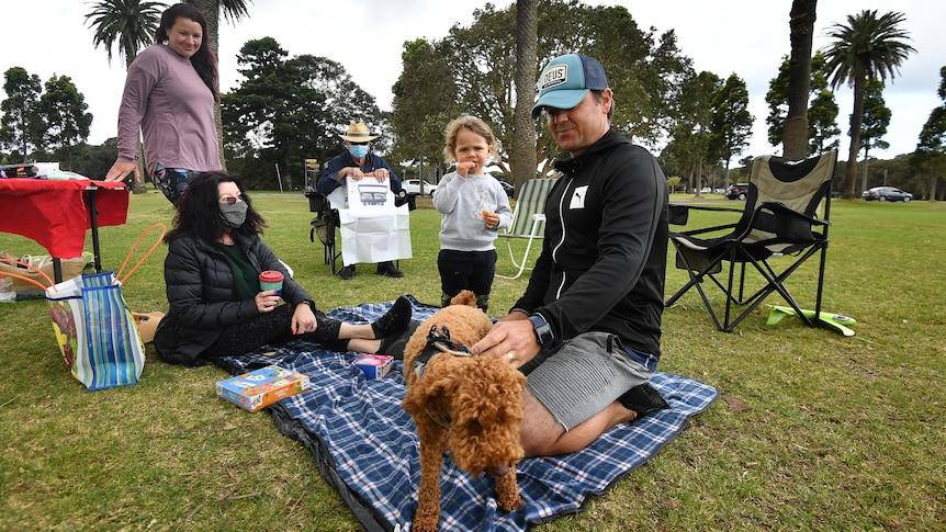 为什么悉尼的COVID-19封锁对完全接种疫苗的人来说可以提前一周结束?