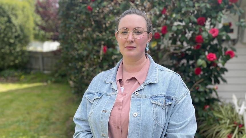 维多利亚州的母亲考虑在家庭COVID之战一年后提起损害赔偿诉讼